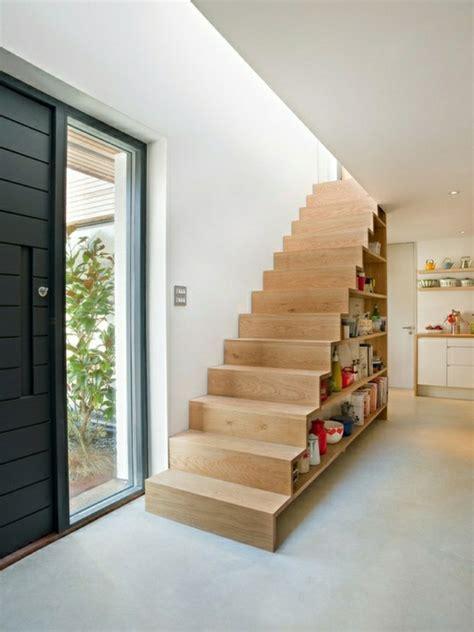 Short Narrow Bookcase Adoptez L Am 233 Nagement Sous Escalier Chez Vous