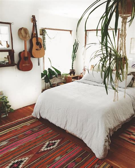 bedroom pictures to hang 25 best ideas about guitar wall on pinterest guitar
