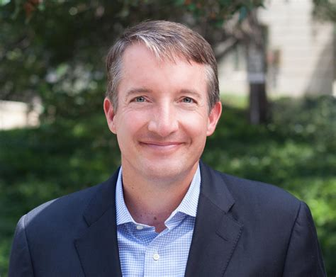 Analyst Linkedin Mba Mccombs by Hartzell Named Dean Of Ut S Mccombs School Of