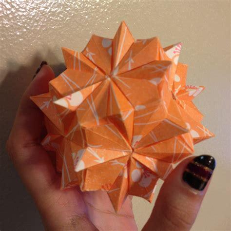 Llama Origami - roses kusudama designed by sinayskaya