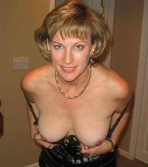 Mature Woman Showing Off Her Tits Porn Photo Eporner