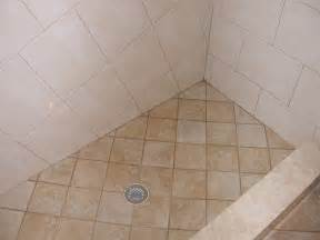 dusche bodengleich shower floor tile wrapping bathroom interior in chic