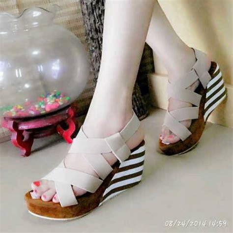 Sepatu Wanita Wedges Eh13 Krem Coklat sandal wedges belang cantik model terbaru murah