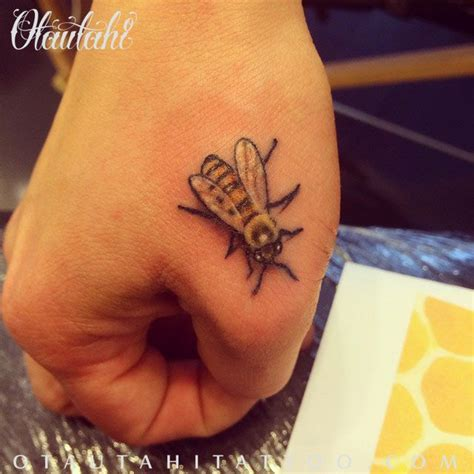 queenstown ink tattoo micro tattoo full colour bee bumble bee honey bee hand