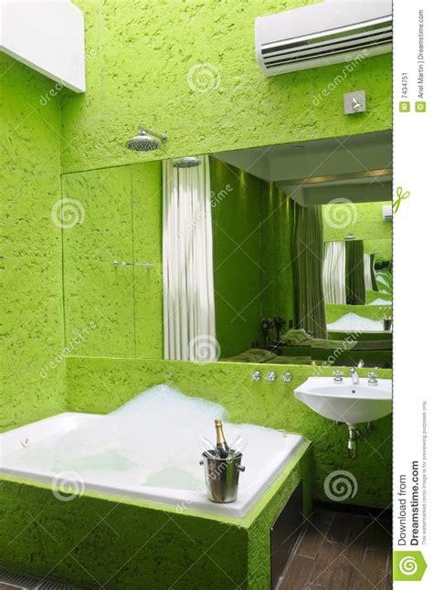 le de bureau verte salle de bains verte avec le image stock image