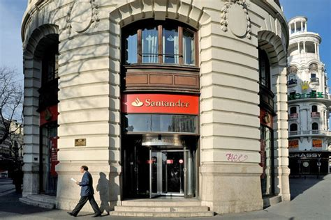 Banco Price by Santander A Feeder Pays A Price Wsj