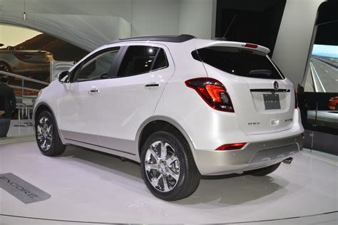 buick encore 2017 buick encore flaunts its more looks on ny