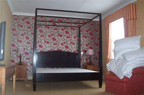 modern four poster bed contemporary beds tapered posts 9 best contemporary four poster canopy beds images on