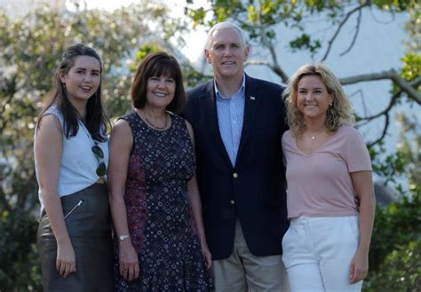 karen pence mike s wife 5 fast facts you need to know karen pence s five fast facts about vice president mike