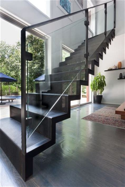 Custom Staircase Design 1000 Ideas About Staircase Railings On Pinterest Railings Iron Staircase And Stair Railing