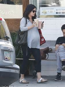 is rachel ray pregnant 2014 pregnant rachel bilson shows off her bump in flowy top