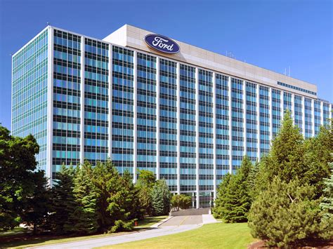 ford  removes pimco total return fund