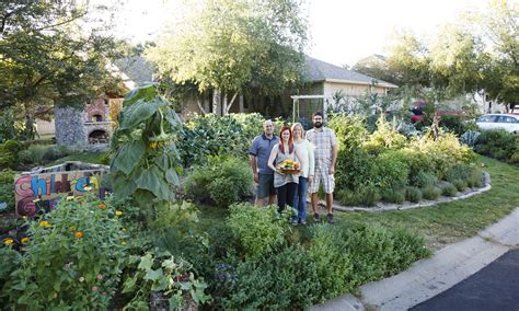 the edible front yard 1000 images about edible front yard landscaping on