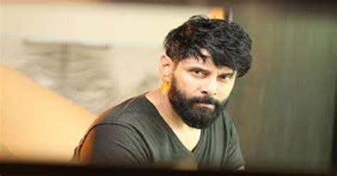 actor vikram father vinod raj tamil superstar vikram turned emotional when he spoke