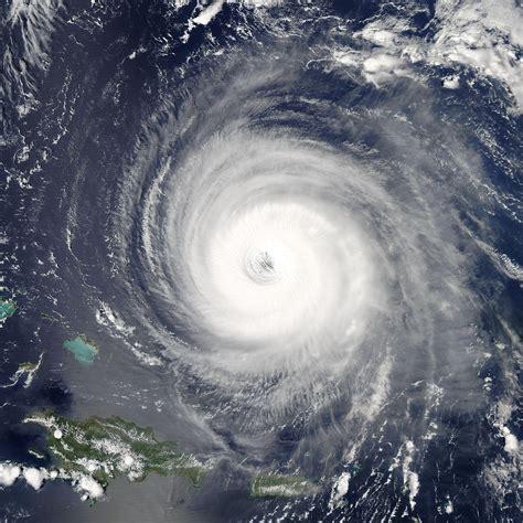 what is a hurricane l annular tropical cyclone