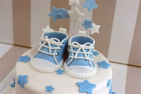 Boy Baby Shower Cakes Pictures by Boy S Baby Shower Cake With Cupcakes Bakealous