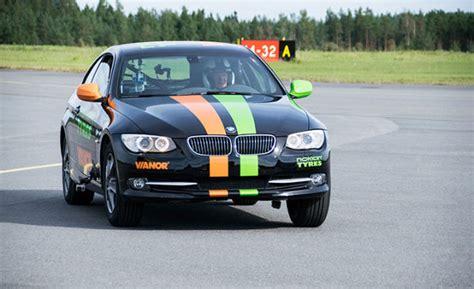 Schnellstes Auto Weltrekord by Vesa Kivim 228 Ki Das Richtige Ma 223 An Wahnsinn Nokian Tyres