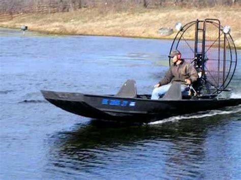 airboat speed okie gator airboats vanguard 35hp powerpack speed demo