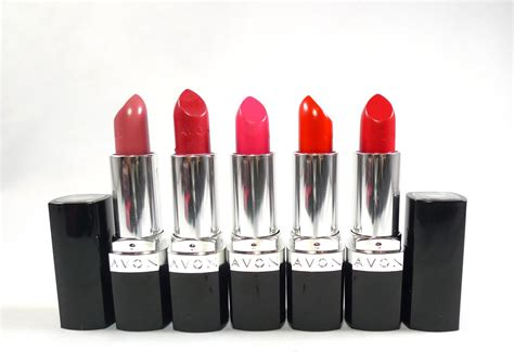 Lipstik Avon review avon ultra color lipsticks the junkee