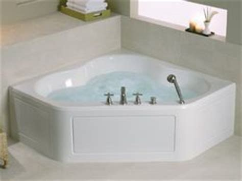 Bathrooms With Freestanding Tubs by Basic Types Of Bathtubs