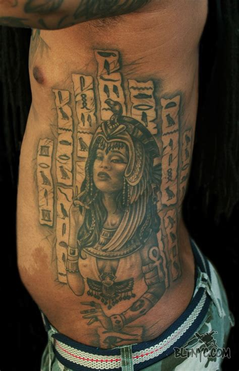 cleopatra tattoo designs best 25 hieroglyphics ideas on