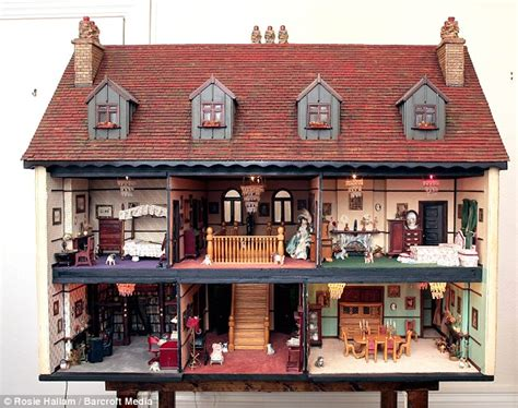 doll house what property slump intricate dolls house sells for 163
