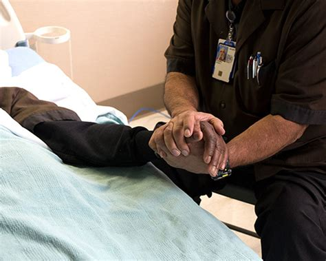 comforting the dying army veteran spends his days comforting the dying