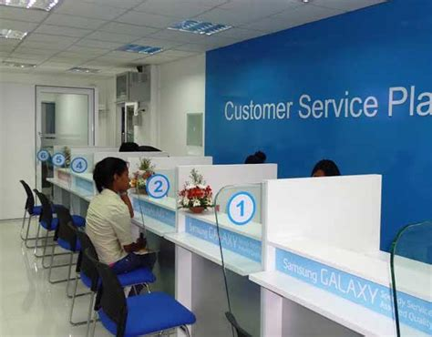 daily mirror samsung opens customer service plaza in colombo