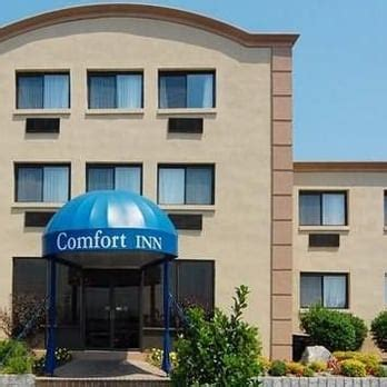 comfort inn edgewater nj comfort inn 29 photos 16 reviews hotels 725 river