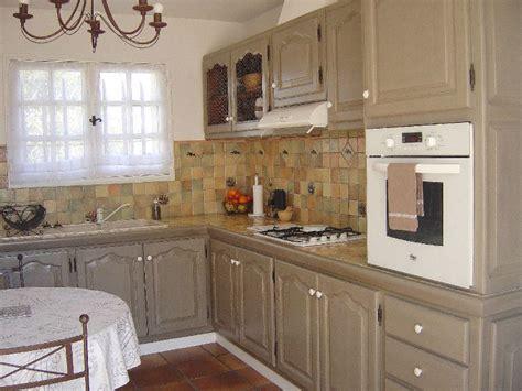 r駭 une cuisine en ch麩e massif repeindre cuisine en chene massif meubles