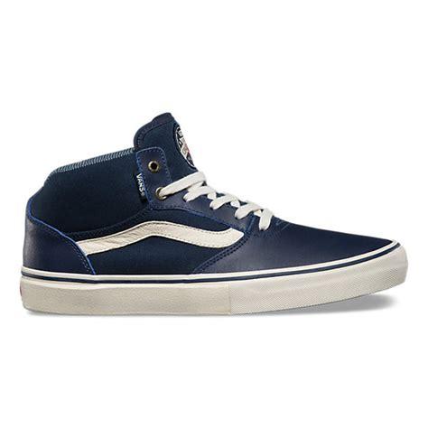 Harga Vans Gilbert Crockett Pro gilbert crockett pro mid shop skate shoes at vans