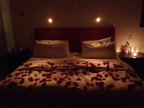 romantic bedrooms with candles and flowers romantic candles and roses bedroom bedroom attractive