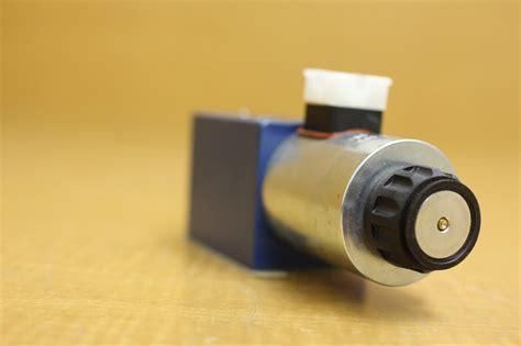 Solenoid Valve Rexroth 4we 6g new rexroth solenoid valve 4we 10 y33 cg125n9k4 r900915729