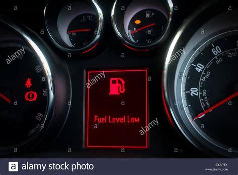 Kontrollleuchten Eines Autos by Warning Stockfotos Warning Bilder Alamy