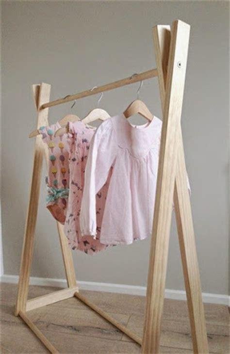Keranhang Baju Lipat Praktis Unik model jemuran baju minimalis praktis untuk ruangan sempit