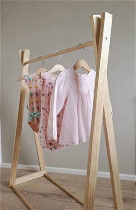 Model Jemuran Baju Minimalis Praktis untuk Ruangan Sempit
