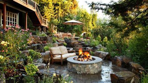 giardino in pendenza giardino in pendenza idee e soluzioni per la progettazione