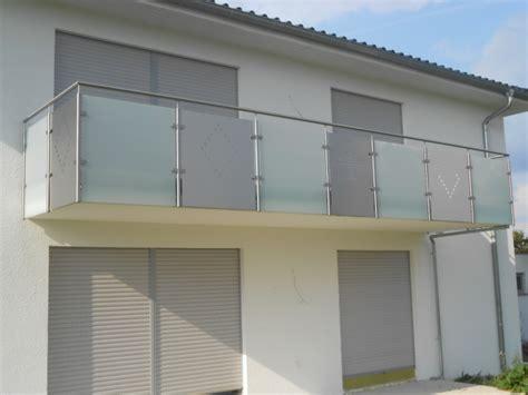 treppengeländer glas kosten balkongelnder edelstahl mit glas kosten heimdesign