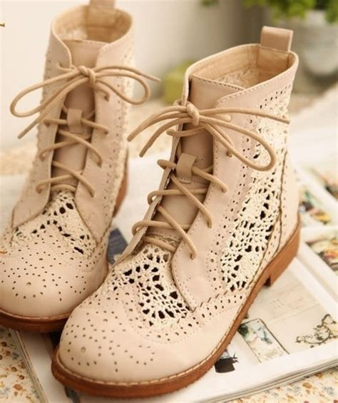 Cutie Bootie Shoes White vintage crochet sweet toe lace up ankle