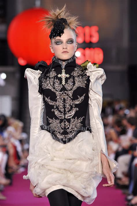Runway Report Christian Lacroix Couture by Christian Lacroix Fall 2008 Runway Pictures Livingly