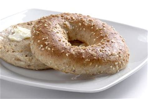 whole grains minerals what are the benefits of whole wheat bagels healthy