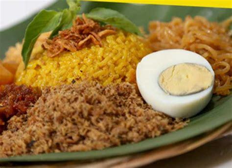 cara membuat nasi kuning manado resep nasi kuning manado bumbu sederhana enak resepmagz com