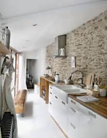 un mur en brique c est styl 233 en d 233 co de cuisine