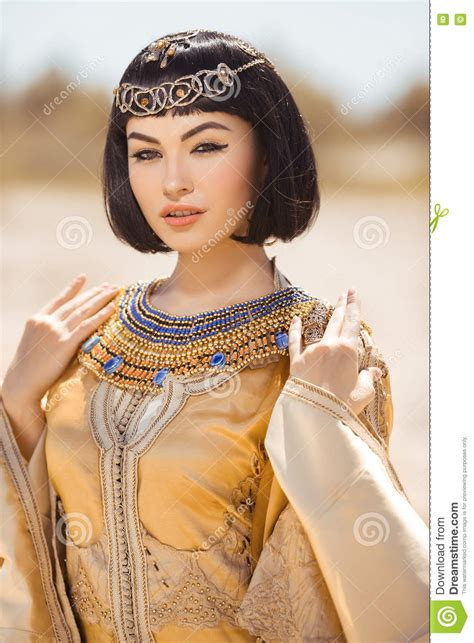 information on egyptain hairstlyes for and ancient egyptian makeup history more information