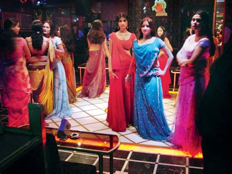 top dance bar in mumbai police ask for live streaming from dance bars to chowkis