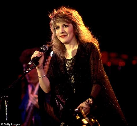 gold dust the biography of stevie nicks books stevie nicks won t forgive doctor who gave pills