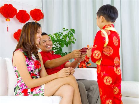 new year traditions hongbao 5 questions about giving ang pow during new year