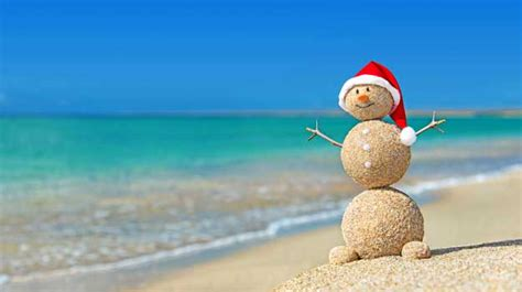images of christmas on the beach why beaches are the best places to celebrate christmas