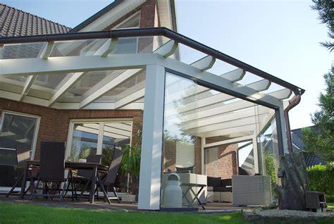 terrassen berdachung holz mit glasdach glasdach terasse das aus glas berdachung terrassen mit