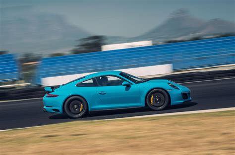 porsche 911 gts spoiler 2017 porsche 911 gts review autocar